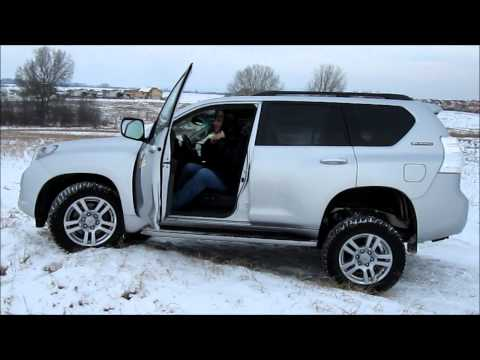 Toyota Land Cruiser Offroad In Snow, Stuck And Body Structure