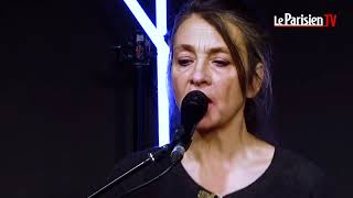 C. Ringer    reprend «Ma gueule»  en live.