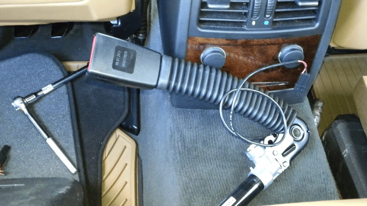 Bmw 5 Series E60 E61 2004 2010 Seat Belt Buckle Removal