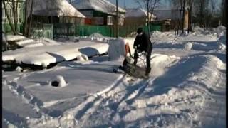скутер с гусеницей, квадроцикл и палочник в снегу.avi(Сравнительный тэст в снегу 30-40см. скутера с гусеницей, квадроцикла и самодельного снегохода