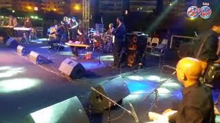 أخبار اليوم | وائل جسار يبدأ حفل نادي الشمس بأغنية