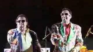 Versione live del celebre brano dei tafano broders!