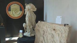 España entrega a Italia tres valiosas esculturas vendidas en el mercado negro