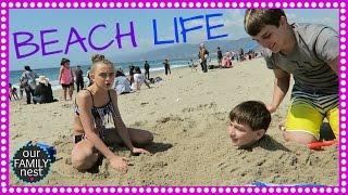 SANTA MONICA PIER BEACH LIFE