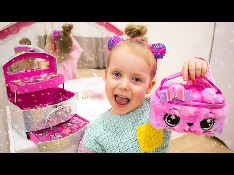 Gaby Pretend Play Dress Up and Make Up Toys for Girls