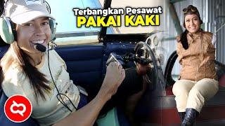 Meski Tak Memiliki Lengan, Wanita ini Mampu Menerbangkan Pesawat Menggunakan Kaki dan Menjadi Pilot