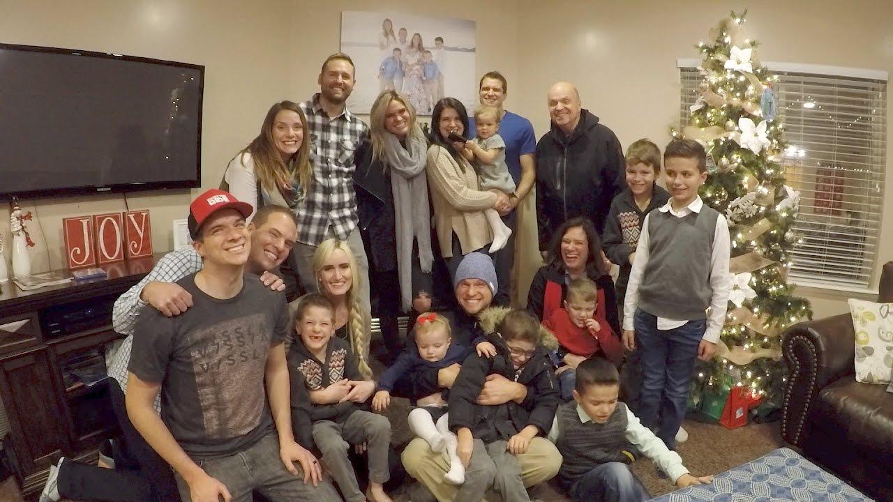 Christmas Family Photo The Never Ending Christmas Family Dinner Youtube