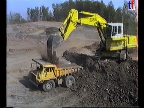 SUPER HEAVY EARTHMOVING / Bau der A8 Aichelberg - LIEBHERR R992, DEMAG H65, CAT 769C,... 09.05.1989.