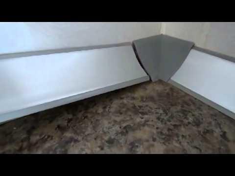 видео: Сборка кухни. Крепление декоративного плинтуса.