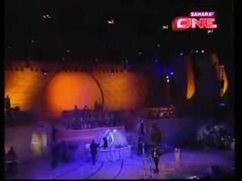 ae ajanbi Udit, Mahalaxmi and A R Rahman Live