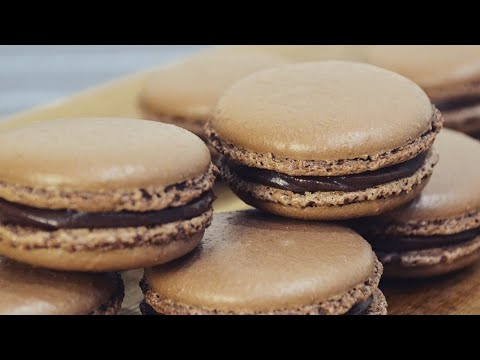 Chocolate Macarons Recipe- French Macarons - B nh Macaron Socola