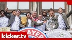 Liebesbekundungen und Abschiede: Die Bayern feiern   kicker.tv