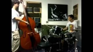 Guitarraleão School of Jazz - Aula de Baixo de Bateria Rhythm Change 2  tom C