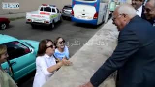 بالفيديو: محافظ بورسعيد يلتقي عدد من السائحات بكورنيش ديليسبس بمدينة بورسعيد خلال زياتهن للمدينة