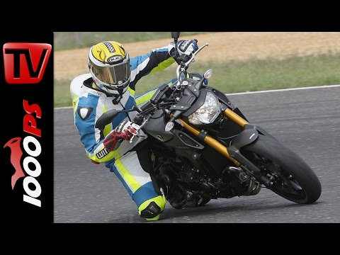 Yamaha MT-09 | Naked Bike Test Rennstrecke