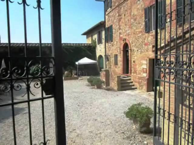 Welcome to farmhouse Fattoria del Colle in Tuscany, agriturismo in Toscana