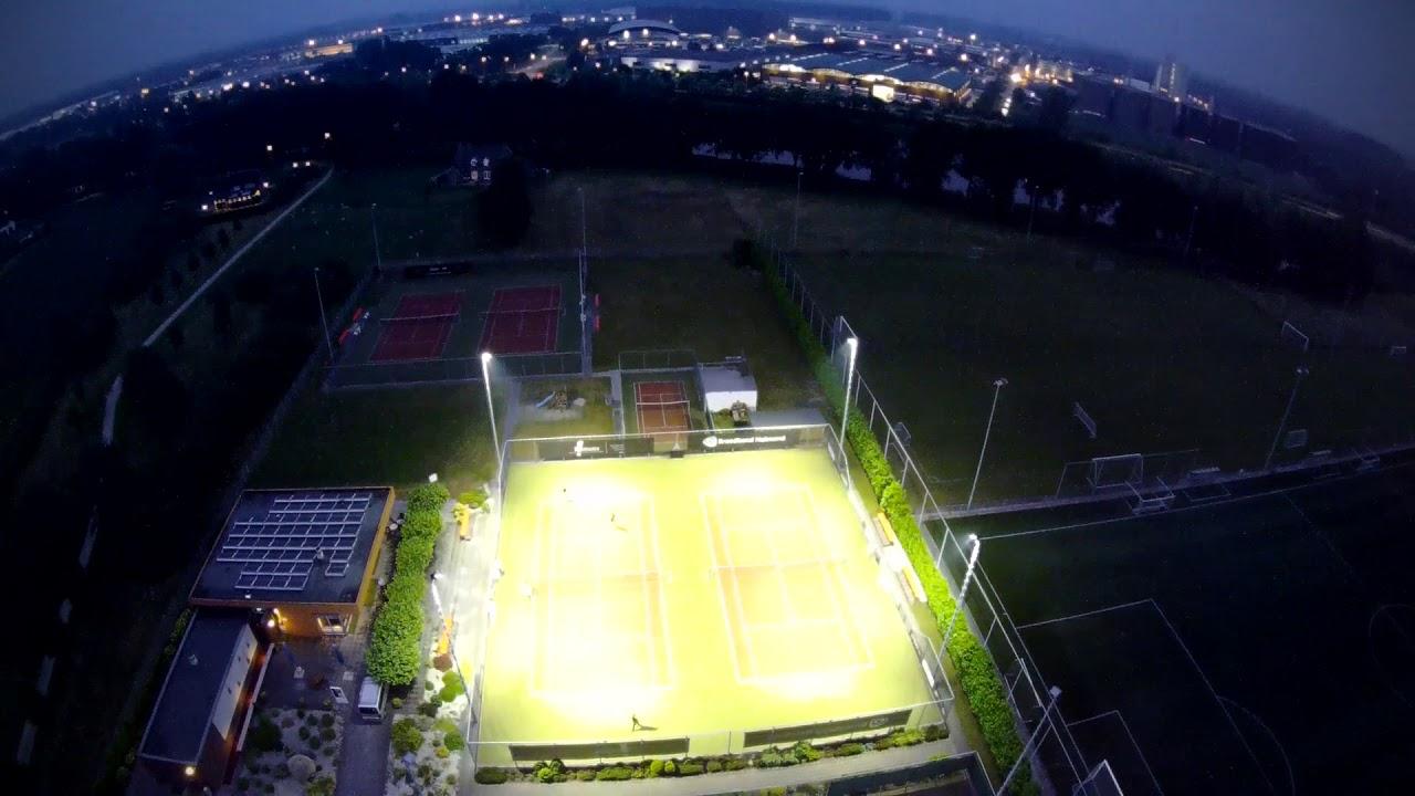 Tennisbaan verlichting LED in Helmond - TV \'t Trambaantje - YouTube