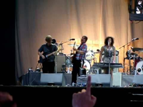 arcade-fire---wake-up---live---rock-werchter-2010