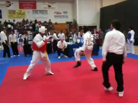 Louis Correa (red): Round 1 at Lai TKD Tournament ...