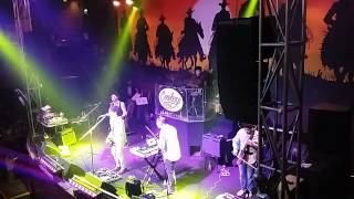 Repeat youtube video Silent Sanctuary - Meron Nang Iba (live @ Cowboy Grill Quezon Ave.)