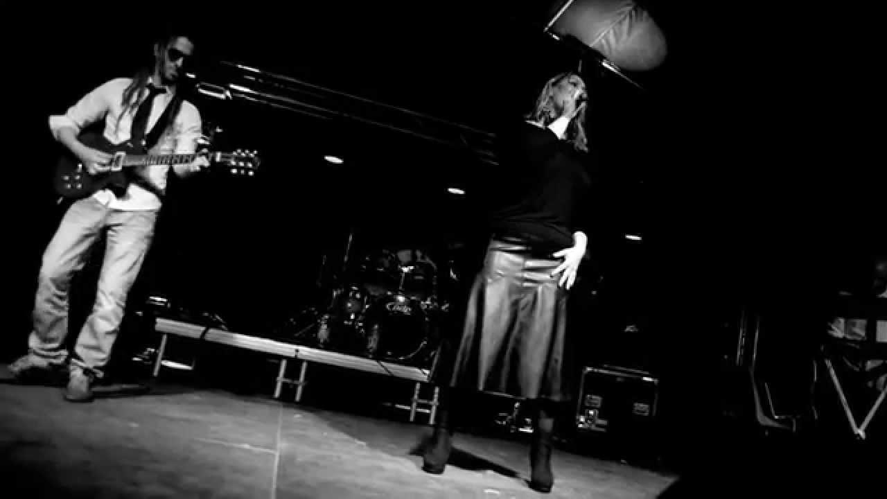 Alter Ego Live (Cours Cheverny) Véronick Sévère - YouTube
