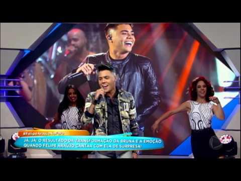 Felipe Araújo canta hit A Mala é Falsa no Hora do Faro