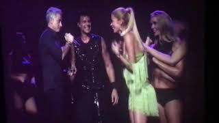 ¡En pleno show! Ricky Martin fue cómplice de esta propuesta romántica
