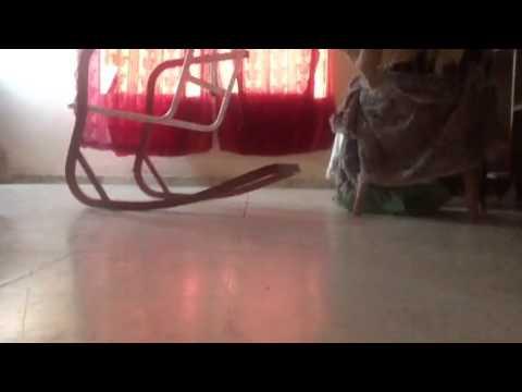 Mal video de la silla que se mueve youtube for Silla que se mueve