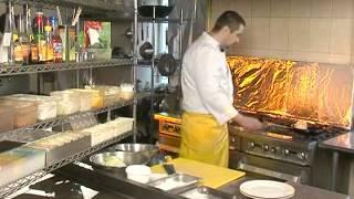 Филе судака, фаршированное креветками и сыром