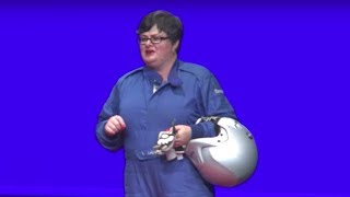 AUSLAN - Drive like a girl | Lynda Leigh | TEDxCanberra
