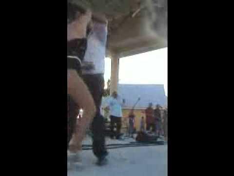 Tony Vega Performing Live Esa mujer - YouTube