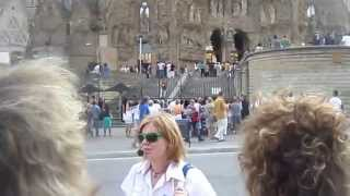 Барселона, Храм Святого Семейства Антонио Гауди Экскурсия (Видео Турист)(Видео Турист Барселона, Храм Святого Семейства Антонио Гауди Экскурсия (Видео Турист), 2015-04-17T03:14:40.000Z)