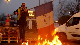 'Yellow vest' protesters 'feel ridiculed' by Macron's U-turn to delay fuel tax increase