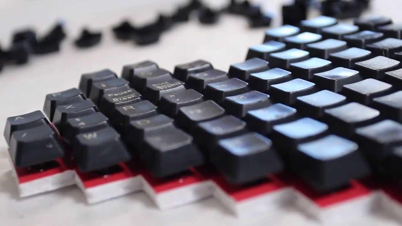 Keyboard Heart Art - DIY GEEKY GOODIES