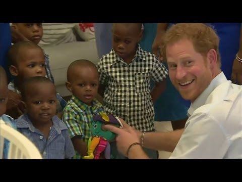 Prince Harry delights children in Barbados