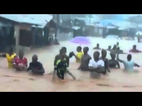 Severe Flooding Engulfs Sierra Leone's Freetown streaming vf