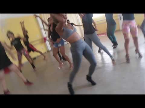 Master Class de Stiletto comBia Barros no Espaço Dança Muniz Menezes