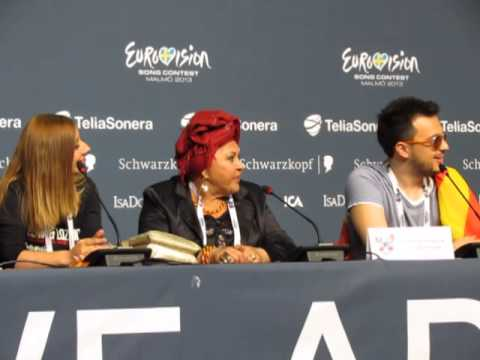 ESCKAZ live in Malmö:Press conference from Lozano and Esma (Macedonia)