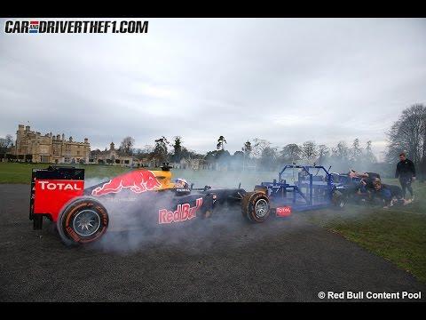 Red Bull RB8 de F1 vs. equipo de rugby de Bath (melé)