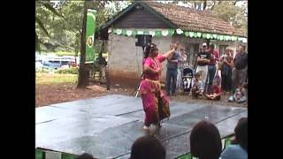 Invocation dance performed at Nairobi National Museum complex 2002