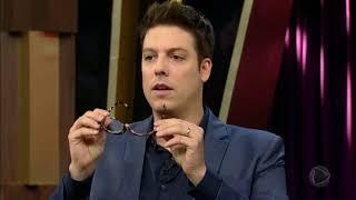 Baixar Inventor Carlos Mazzei mostra como funciona tirador de cisco do olho e chinelo vassoura