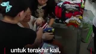 Video Video tutup peti korban bom bunuh diri di Surabaya download MP3, 3GP, MP4, WEBM, AVI, FLV September 2018