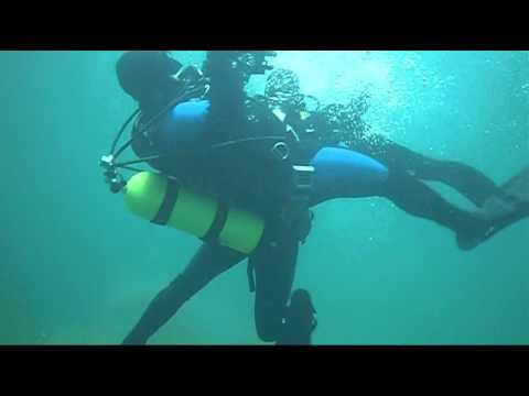 vintage scuba fight - YouTube