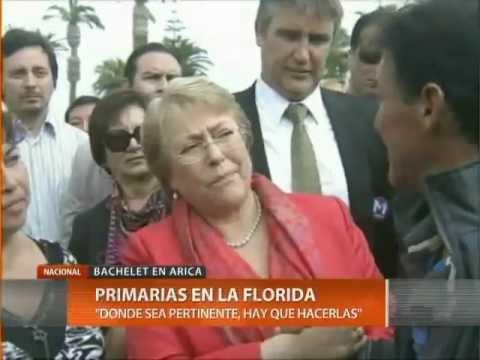 Estudiante escupió en el rostro a la candidata presidencial, Michelle Bachelet