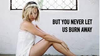 Baixar Ashley Tisdale - Voice in my head (8D audio + Lyrics)