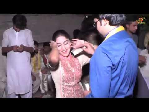latest-mujra-2017-hay-hay-jawani-le-dubi-wedding-mujra-dance