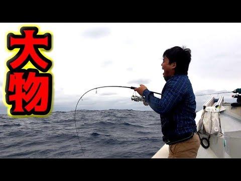aiming-for-a-huge-tuna-at-kumejima,-okinawa!