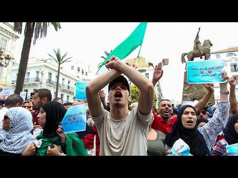توقيف 59 شخصاً في الجزائر ومنظمة العفو تتهم السلطات بـ-إسكات المنتقدين-…  - 23:57-2021 / 2 / 22