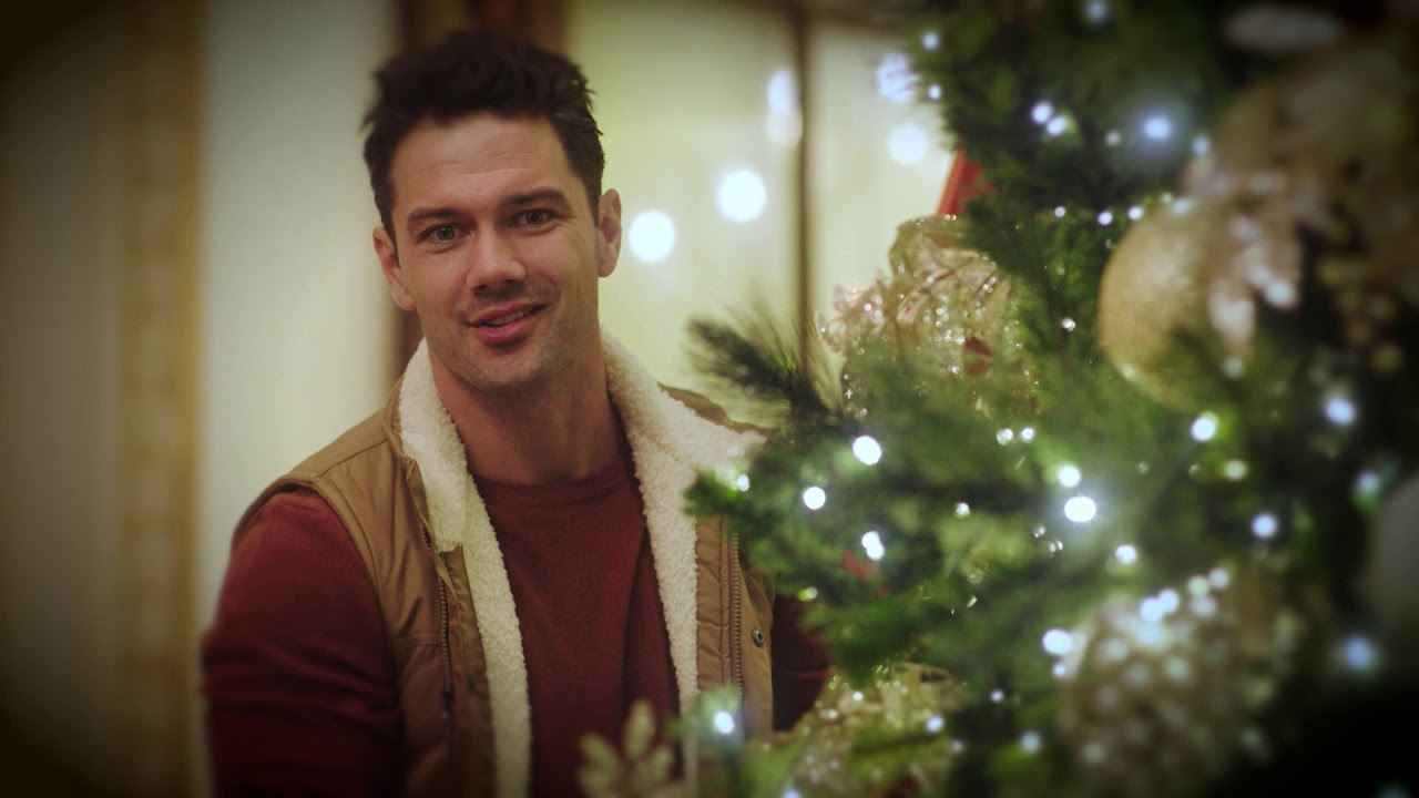 Preview- Hallmark Channel's Christmas at the Plaza