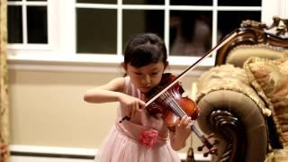F  Kreisler  - Tempo di Minuetto -  Jessica Jeon (6 years old), violin